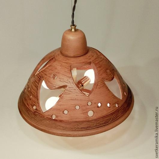Освещение ручной работы. Ярмарка Мастеров - ручная работа. Купить Люстра с большим глубоким плафоном на подвесе и четырьмя лампами. Handmade.