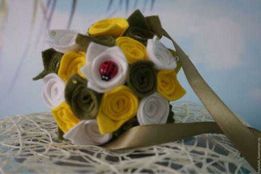 Букеты ручной работы. Ярмарка Мастеров - ручная работа. Купить Корзиночка с цветами. Handmade. Подарок девушке, цветочная композиция, фетр