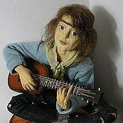 Куклы и пупсы ручной работы. Ярмарка Мастеров - ручная работа Кукла Хиппи с гитарой Авторская кукла. Handmade.