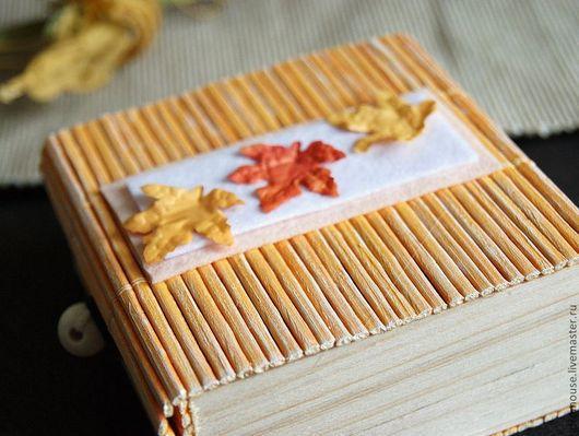 """Подарочная упаковка ручной работы. Ярмарка Мастеров - ручная работа. Купить коробочка подарочная """"Осенние листья-1"""" 85х85х40мм оранжевая. Handmade."""
