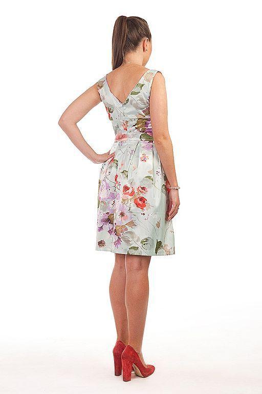Платье с юбкой колокол доставка