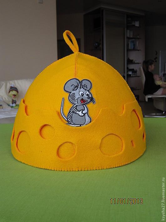 Мышки размещены с двух сторон.
