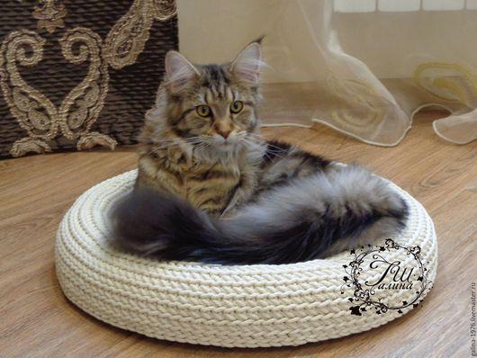 """Аксессуары для кошек, ручной работы. Ярмарка Мастеров - ручная работа. Купить Лежанка для кошки """"Комфорт"""". Handmade. Белый, кошка, функциональный"""