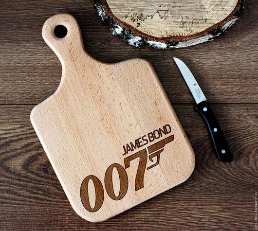 """Кухня ручной работы. Ярмарка Мастеров - ручная работа. Купить Деревянная разделочная доска """"James Bond 007"""". Handmade."""