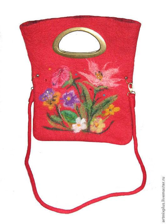 Женские сумки ручной работы. Ярмарка Мастеров - ручная работа. Купить Сумка красная из войлока. Handmade. Ярко-красный