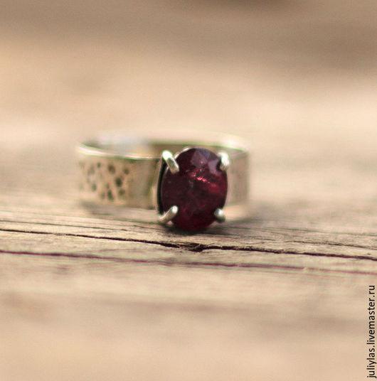 кольцо, кольцо серебряное, кольцо серебро, кольцо ручная работа, кольцо из серебра, кольцо с камнем, кольцо с рубином,серебряное украшение,  кольцо в подарок, украшения из серебра