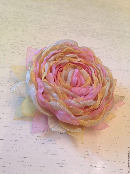 нежная брошь из шифона салатовая розовая желтая брошка нежный рассвет цветы из ткани подарок девушке подруге коллеге маме подруге врачу купить брошь подарок украшение из ткани