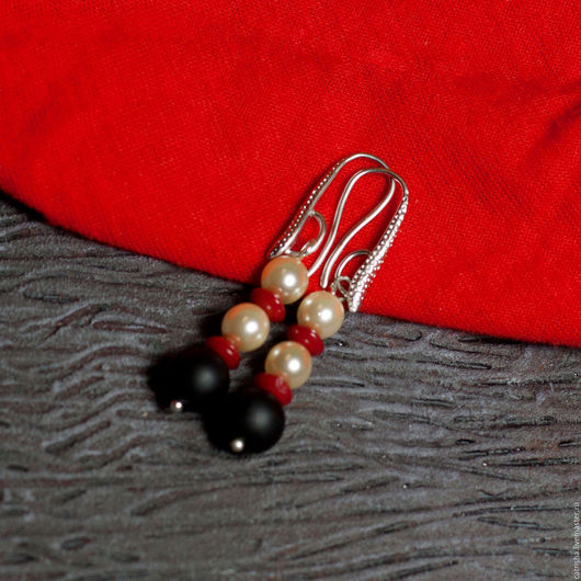 Яркие серьги контрастные, белый красный черный, жемчуг коралл шунгит, яркие красные серьги, серьги коралл, серьги жемчуг, контрастные серьги, красные серьги коралл, черные серьги шунгит, белые серьги