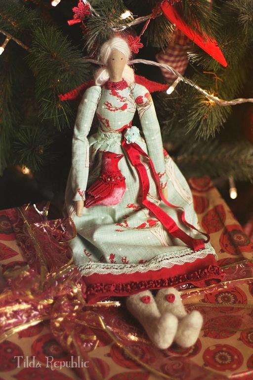 """Куклы Тильды ручной работы. Ярмарка Мастеров - ручная работа. Купить Тильда """"Снегири прилетели"""". Handmade. Красный, кукла текстильная"""