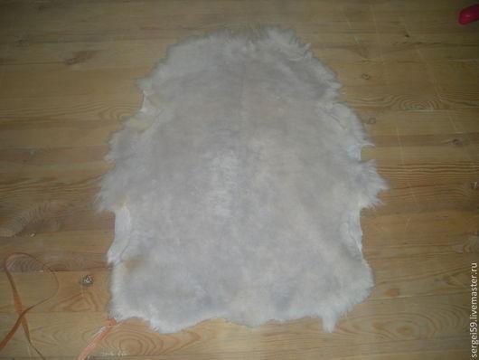 овчина с белым волосом - сторона волоса