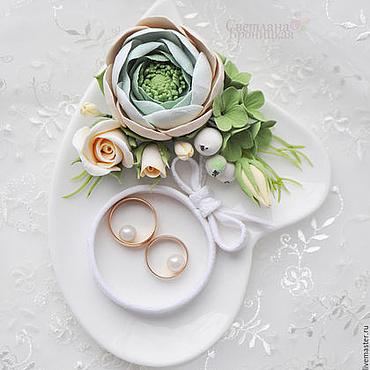 Свадебный салон ручной работы. Ярмарка Мастеров - ручная работа Тарелочка для колец с цветами из полимерной глины. Handmade.
