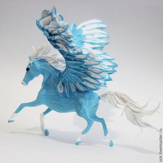 """Сказочные персонажи ручной работы. Ярмарка Мастеров - ручная работа. Купить Фигурка средняя """"Пегас голубой"""" (синий, белый). Handmade."""