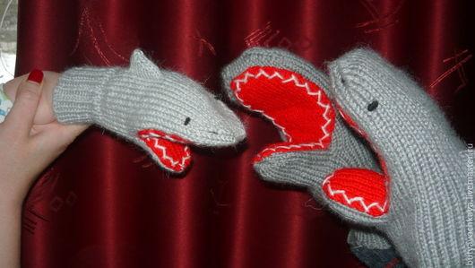 Варежки, митенки, перчатки ручной работы. Ярмарка Мастеров - ручная работа. Купить Вязаные рукавицы Акулы. Handmade. Варежки, вязание