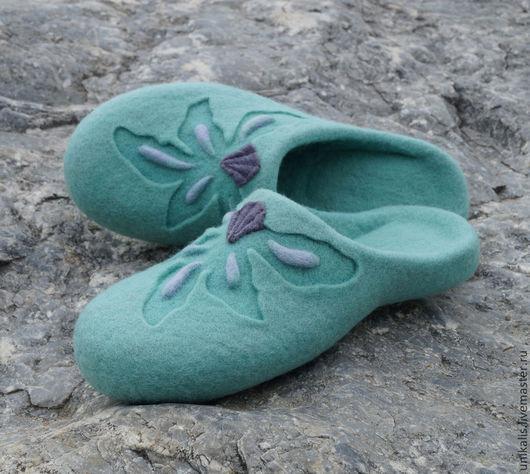 """Обувь ручной работы. Ярмарка Мастеров - ручная работа. Купить Валяные тапочки """"Mint Orchid"""". Handmade. Мятный, валяная обувь"""