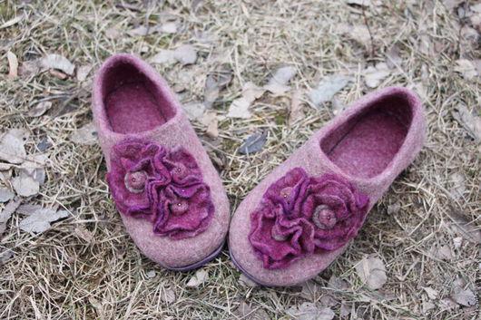 """Обувь ручной работы. Ярмарка Мастеров - ручная работа. Купить тапочки валяные """"БОРДО-УЮТ"""". Handmade. Бордовый"""