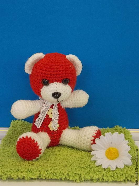 Очаровательный мишка (красно-белый)