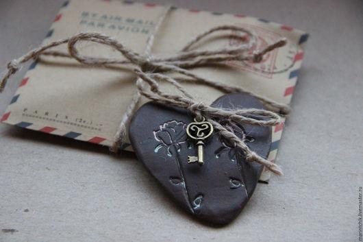 Магниты ручной работы. Ярмарка Мастеров - ручная работа. Купить Сердце Послание в конверте. Handmade. Сердце, Керамика, подарок любимым