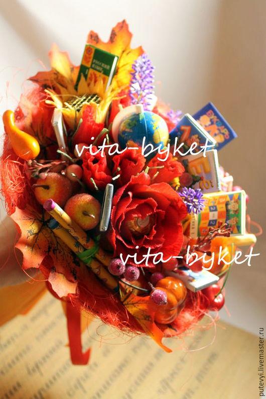 Букеты ручной работы. Ярмарка Мастеров - ручная работа. Купить Букет на день учителя! Букет из конфет в школу, букет директору. Handmade.