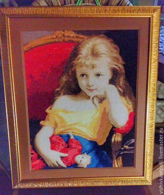 Вышивка крестом `Девочка с куклой`