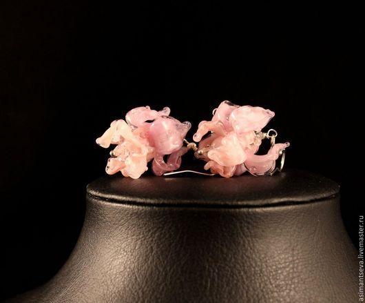 """Серьги ручной работы. Ярмарка Мастеров - ручная работа. Купить Серьги лэмпворк """"Свадебные цветы"""". Handmade. Бледно-розовый, цветы"""