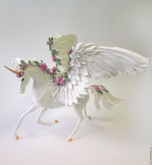 """Игрушки животные, ручной работы. Ярмарка Мастеров - ручная работа. Купить фигурка 35 см """"Единорог с цветами и крыльями"""" (пегас-единорог). Handmade."""