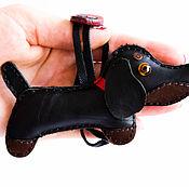 Брелок ручной работы. Ярмарка Мастеров - ручная работа Брелок собака такса из кожа 1. Handmade.