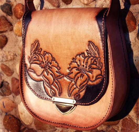Женские сумки ручной работы. Ярмарка Мастеров - ручная работа. Купить Кожаная сумочка с лилиями. Handmade. Бежевый, лилии