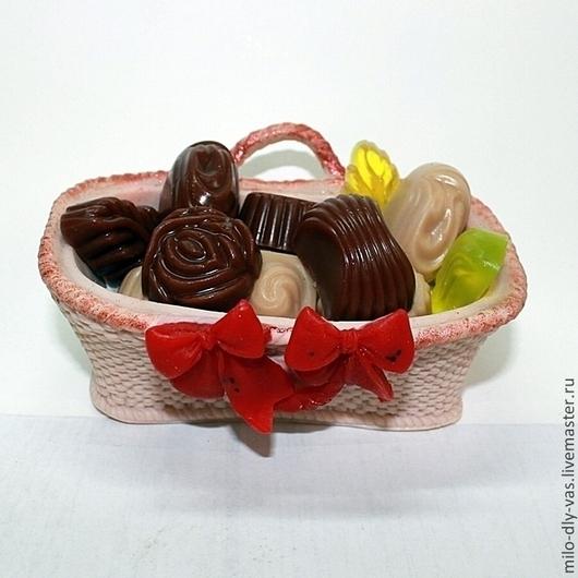 Мыло Корзинка с конфетами, ручная работа
