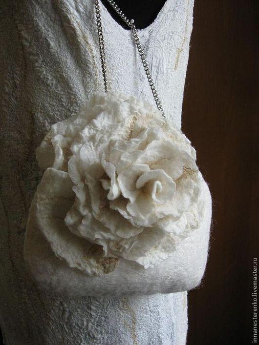 """Платья ручной работы. Ярмарка Мастеров - ручная работа. Купить Валяное платье """"Шелковые мечты"""". Handmade. Белое платье"""