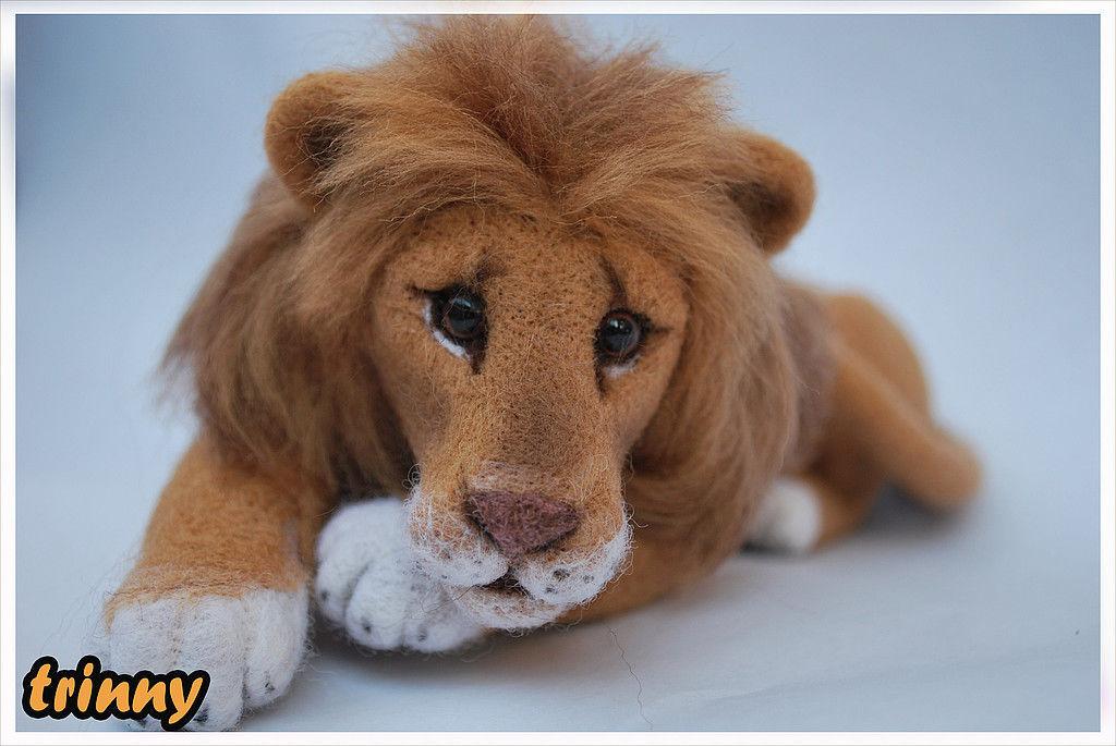 Лев и медведь игрушка