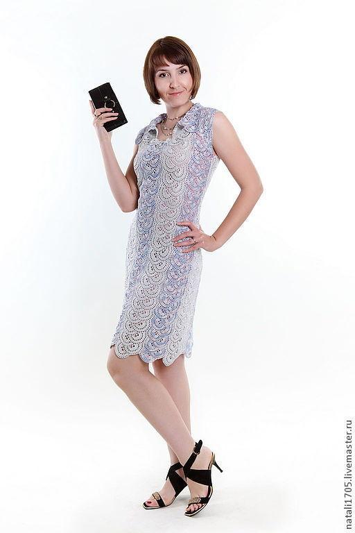 Платье Игра цвета вязанное ленточными кружевами.