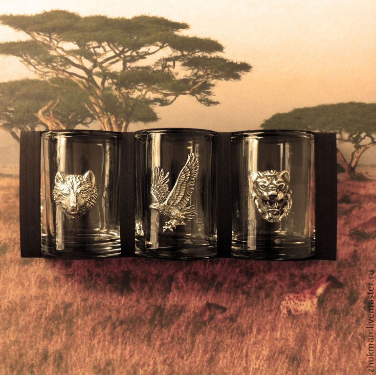 Souvenirs and gifts for men. The gift on February 23. A gift to the Day of defender of the Fatherland. anniversary gift. Gift hunter. For the hunter. hunting trophies. wolf. Leo. eagle.