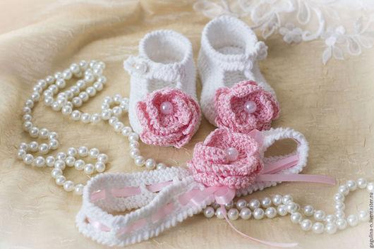 Для новорожденных, ручной работы. Ярмарка Мастеров - ручная работа. Купить Комплект летние пинетки туфельки и повязка с цветком Роза. Handmade.