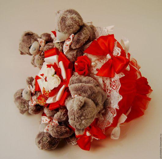 """Букеты ручной работы. Ярмарка Мастеров - ручная работа. Купить Букет из игрушек """"Тедди в красном"""". Handmade. Ярко-красный"""