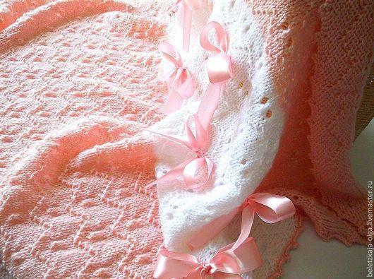 """Пледы и одеяла ручной работы. Ярмарка Мастеров - ручная работа. Купить Плед для девочки """"Нежность чайной розы"""" вязаный спицами полушерстяной. Handmade."""