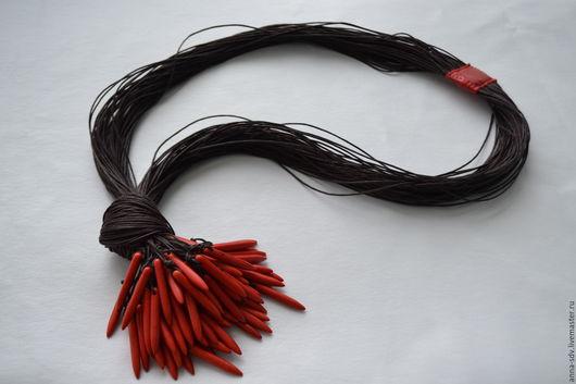 Ожерелье `Перчинки`  Длина по окружности 73 см + 12 см узел с подвесками.