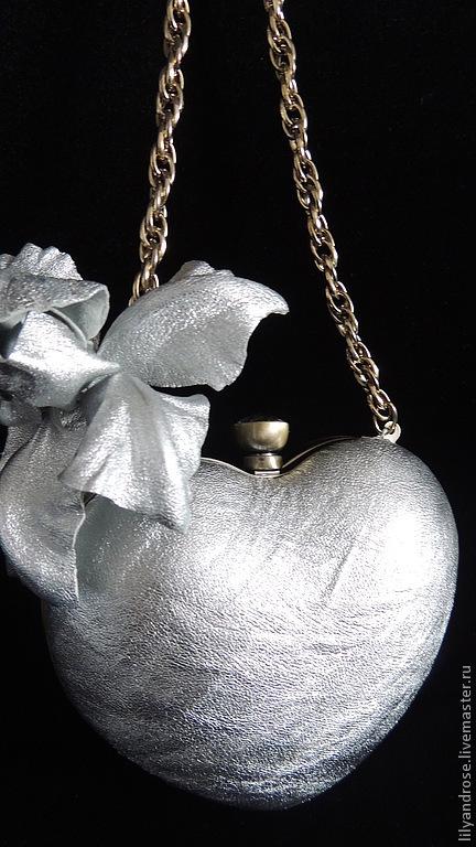 Женские сумки ручной работы. Ярмарка Мастеров - ручная работа. Купить Клатч  серебряное сердечко. Handmade. Серебряный, серебряный клатч