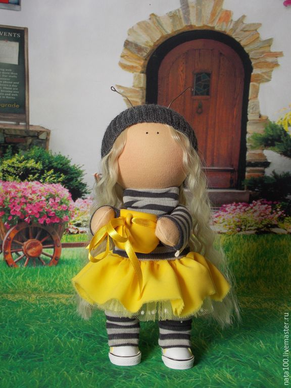 Куклы тыквоголовки ручной работы. Ярмарка Мастеров - ручная работа. Купить Пчелка. Handmade. Желтый, подарок подруге, кеды для кукол
