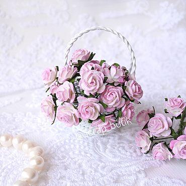 Цветы и флористика ручной работы. Ярмарка Мастеров - ручная работа Бумажные розы 1,5 см Белые розовые кончики Цветы для скрапбукинга. Handmade.