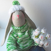 Куклы и игрушки ручной работы. Ярмарка Мастеров - ручная работа Заяц Тильда в свитере - игрушка интерьерная и для игры. Handmade.