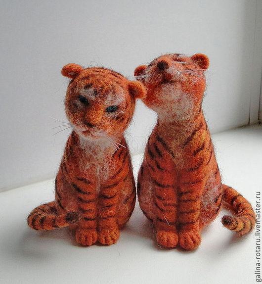 Игрушки животные, ручной работы. Ярмарка Мастеров - ручная работа. Купить Игрушки валяные Влюбленные  тигрятки. Handmade. Рыжий, тигрята