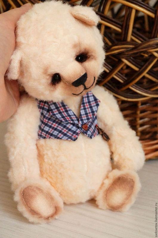 Мишки Тедди ручной работы. Ярмарка Мастеров - ручная работа. Купить Персиковый медведик Мики. Handmade. Бежевый, мишка в одежке