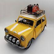 Скульптуры ручной работы. Ярмарка Мастеров - ручная работа Ретро-модель автомобиля MINI COOPER для декора (№8711). Handmade.