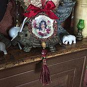 Подарки к праздникам ручной работы. Ярмарка Мастеров - ручная работа Декоративный керамический медальон. Handmade.