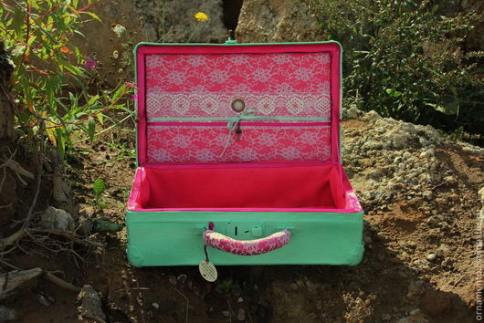 Чемоданы ручной работы. Ярмарка Мастеров - ручная работа. Купить Мятно-ягодный чемоданчик. Handmade. Мятный, чемодан винтажный