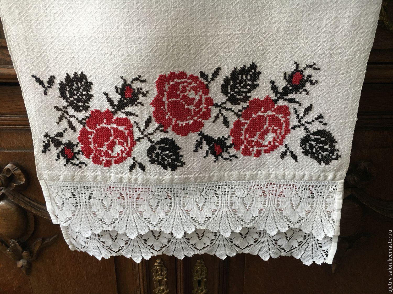 Старинное полотенце с вышивкой