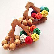 Куклы и игрушки ручной работы. Ярмарка Мастеров - ручная работа Новогодний подарок малышу - грызунок-погремушка Нарядная елочка. Handmade.