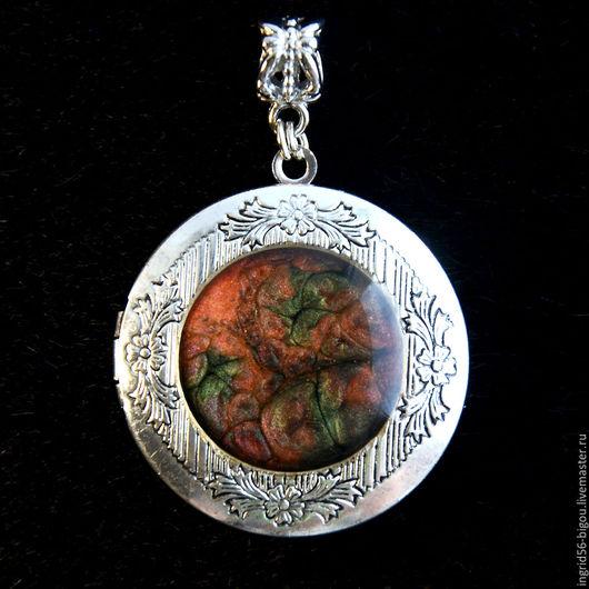 Кулоны, подвески ручной работы. Ярмарка Мастеров - ручная работа. Купить Подвеска кулон медальон для фото открывающийся Тайна красной планеты. Handmade.