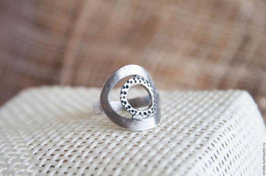 Кольца ручной работы. Ярмарка Мастеров - ручная работа. Купить Серебряное кольцо ручной работы. Handmade. Серебряный, женское кольцо