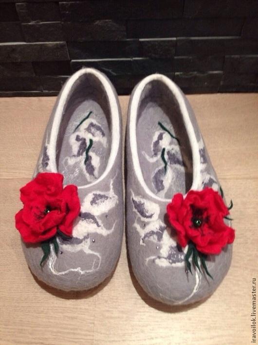 """Обувь ручной работы. Ярмарка Мастеров - ручная работа. Купить Тапочки""""тайна сердца моего. Handmade. Серый, обувь ручной работы"""